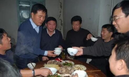 贺雪峰:农村喝酒工作法