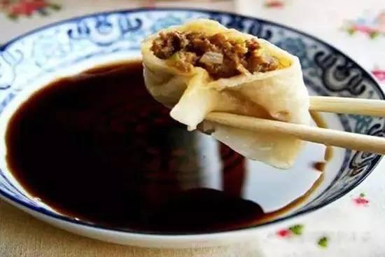 吃饺子不蘸酱油是要进监狱的